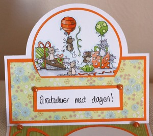 mousey easel card, top